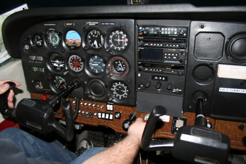 Instruments and Controls in the Cessna 172P