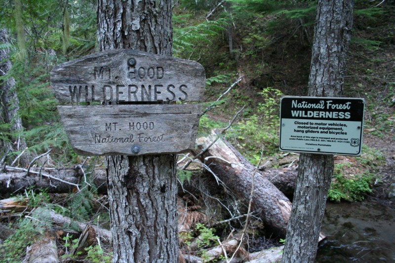 Mt Hood Wilderness Boundary Signs