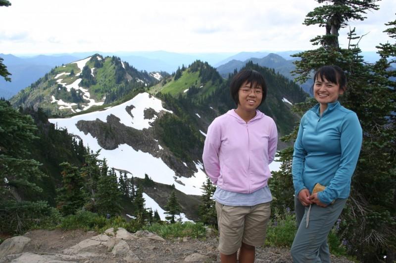 Kanako and Chihiro on Bogachiel Peak