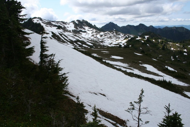 Snowy scene on the High Divide Trail