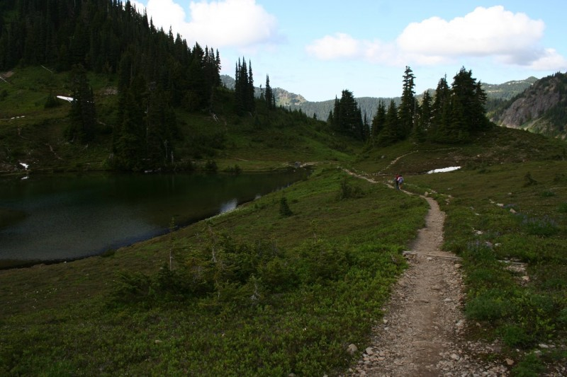 The trail beside Heart Lake