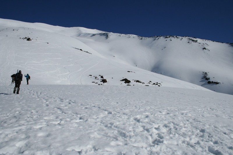 looking up the snowy slope of mt st helens
