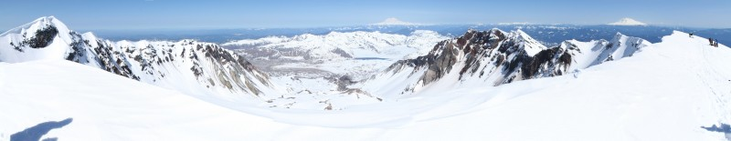 panoramic view of the rim and crater of mt st helens